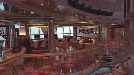 бортовой : Elegant, modern lounge and bar interior on a cruise ship