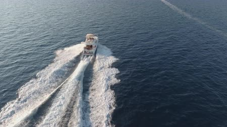 hajózik : Flight over the cruising luxury yacht, motorboat Stock mozgókép