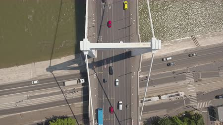 csomópont : Aerial view of bridge - Elizabeth bridge, Budapest, Hungary