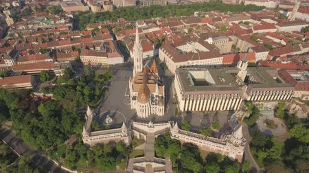 pólos : Aerial view of Budapest - Fishermans bastion and Matthias church, Hungary