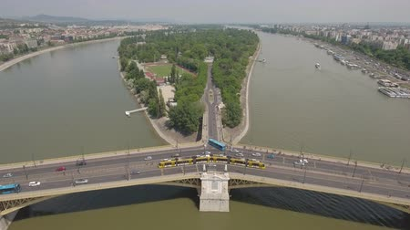 маргарита : Aerial view of Budapest - Margaret bridge and island, Hungary
