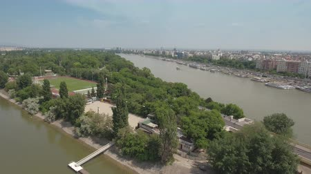 маргарита : Aerial shot of Budapest - Margaret island and bridge, Hungary