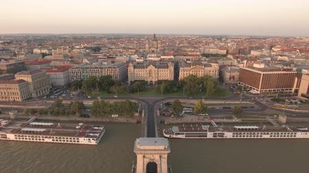 budapeszt : Aerial view of Budapest downtown and Chain bridge - Hungary Wideo