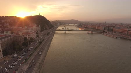 budapeszt : Aerial view of Budapest at sunset - Danube river and bridges, Hungary