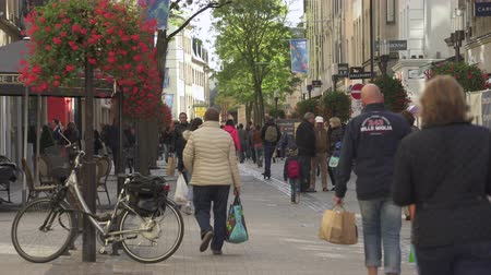 Luxembourg city center. People walking on the street - September 2018: Luxembourg Dostupné videozáznamy