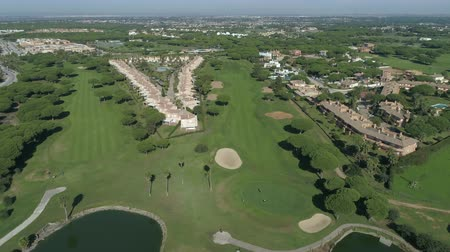 фарватер : Aerial view of golf course. Mediterranean golf course in Spain