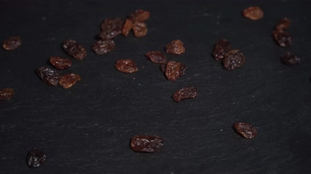 küçük hindistan cevizi : Raisins. ingredients for warm wine, mulled wine. circular video