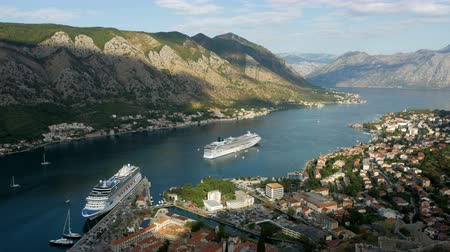 адриатический : Kotor, Montenegro - September 26: large ship with tourists sailing on the boat in the European day of languages on September 26, 2017