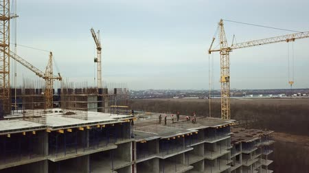 montanhismo : cranes, Construction top view, builders at height