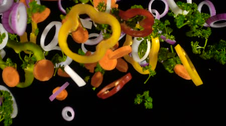 picado : falling slices of chopped vegetables, slow motion