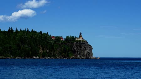 superior : Split Rock Lighthouse on the north shore of Lake Superior near Duluth and Two Harbors, Minnesota Vídeos