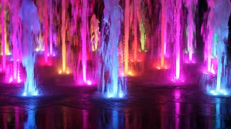 szökőkút : Beautiful colorful fountain at night