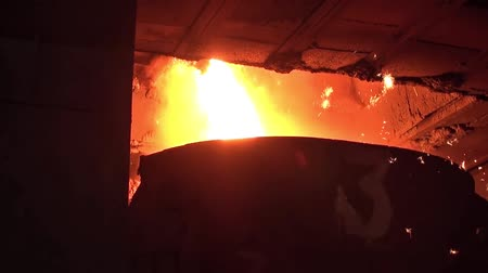 open hearth : Smelting of liquid metal from blast furnace into the railway scoop container at the metallurgical plant