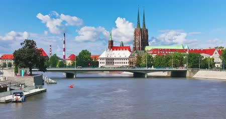 wrocław : Scenic summer view of the Old Town pier architecture and bridge over Oder river embankment in Wroclaw, Poland