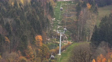 Бавария : Cable car in the mountains of Bavaria. Slow motion