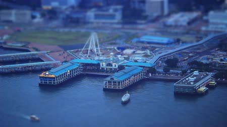 паром : Miniature Effect of central habour at hong kong