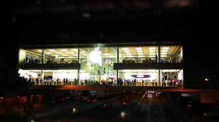 elektronický : Miniature Effect of  Apple shop night view at hong kong