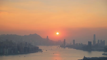 中国 : hong kong skyline at sunset