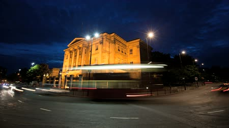londra : LONDON, ENGLAND - JULY 01: Time-lapse of Apsley House at night on July 01, 2010 in London, England Stok Video