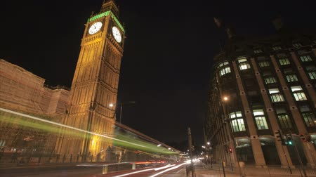 uhr : LONDON, ENGLAND - JULY 04: Big Ben time-lapse at night on July 04, 2010 in London, England Stock Footage