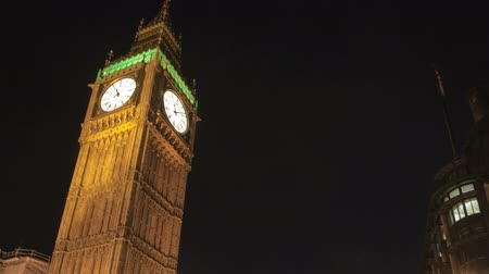 večer : LONDON, ENGLAND - JULY 04: Big Ben time-lapse at night on July 04, 2010 in London, England Dostupné videozáznamy