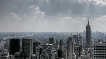 belvárosi kerület : HDR Timelapse pan-shot of New York City Downtown Skyline in Aerial View with great clouds passing by