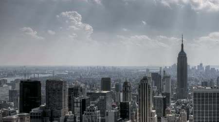 belvárosi kerület : HDR Timelapse zoom-out of New York City Downtown Skyline in Aerial View with great clouds passing by Stock mozgókép