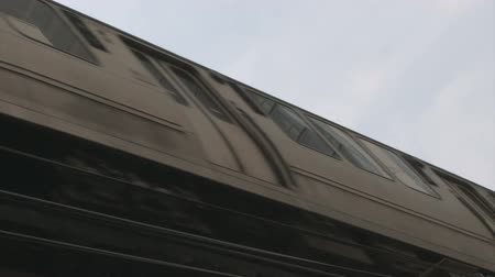 el train : Elevated train in Chicago.  Stock Footage