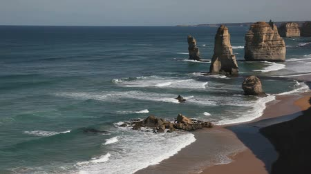 oceano : The famous 12 Apostles on the Great Ocean Road