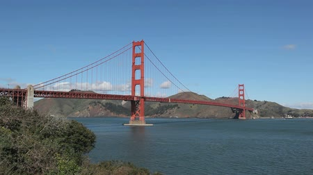 the suspension bridge : San Francisco Golden Gate Bridge Panorama Shot