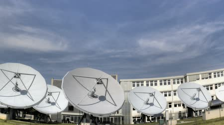 vezeték nélküli : Time lapse of big communication satellite dishes
