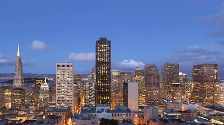 san francisco : 4K Time lapse zoom out of downtown San Francisco skyline from twilight to night