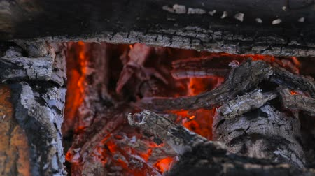 костра : hot red charcoal fire