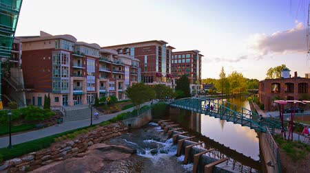 sc : Greenville, South Carolina, USA city skyline at Falls Park.