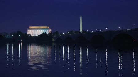 anıt : Washington DC monuments on the Potomac river.