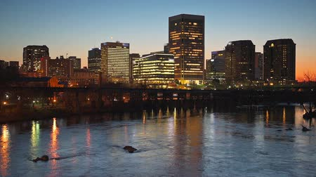 richmond : Richmond Virginia USA skyline footage on the James River. Stock Footage