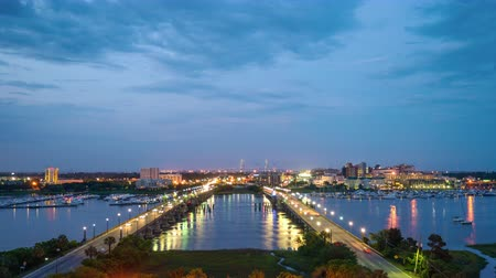 güney : Charleston, South Carolina, USA skyline time lapse over Ashley River. Stok Video
