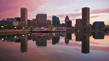 locatie : Baltimore, Maryland, Verenigde Staten skyline in de Inner Harbor. Stockvideo