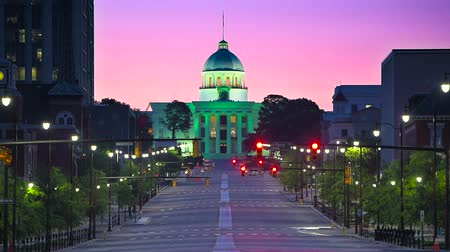 anahtar kelimeler : Montgomery, Alabama, USA with the State Capitol.