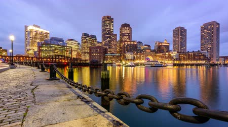 parke taşı : Boston, Massachusetts, USA harbor skyline time lapse. Stok Video