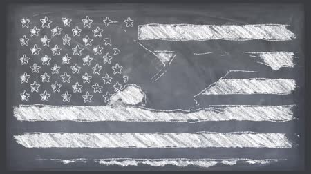 sas : stop motion of chalk drawn USA flag with bald eagle fly cartoon animation seamless loop on school blackboard - new quality national patriotic symbol video footage Stock mozgókép