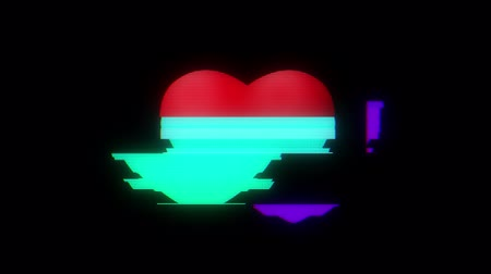 смещение : heart glitch interference on digital old led lcd computer tv screen animation seamless loop - new dynamic holiday retro joyful colorful vintage video footage