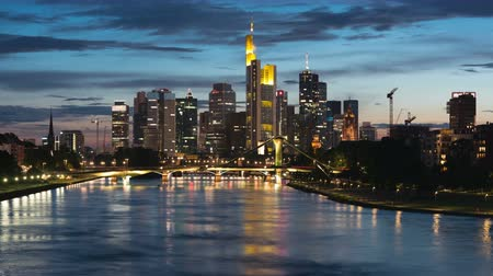 Франкфурт : View of skyscrapers in Frankfurt in a summer sunset