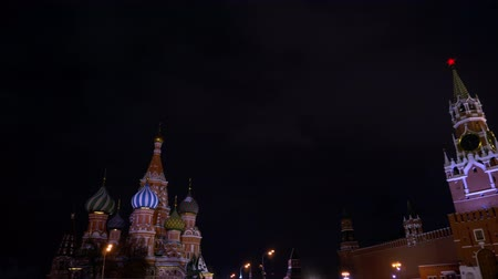 urss : Saint Basils Cathedral, Kremlin clock, chimes, Kremlin wall, panorama, night