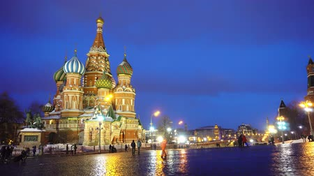 urss : Red Square panorama cremlin clock chimes wall, red star, Saint Basils Cathedral