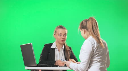 titkár : The girl came to the job interview as a secretary, green screen Stock mozgókép
