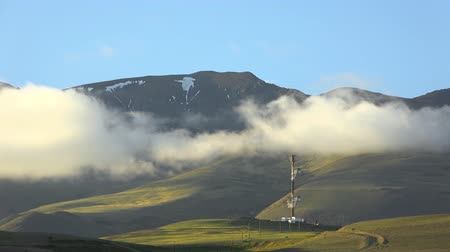 altay : Timelaps of Kuray mountain range with repeater. Altai Mountains, Siberia Russiia Stok Video