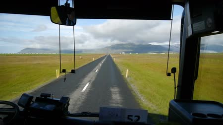 otobüs : The road along the south coast. View from the bus. Iceland.