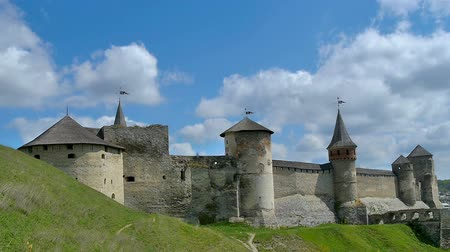 taş duvar : Towers of old fortess in Kamenetc-Podilsky, Ukraine. Time-lapse