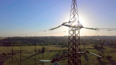 voltů : Aerial View of Electricity pylons. Fuel and power generation. 4K Dostupné videozáznamy